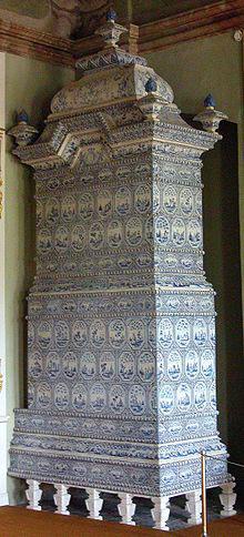 Fig. 2 : Poêle en céramique – Source : Wikimedia Commons