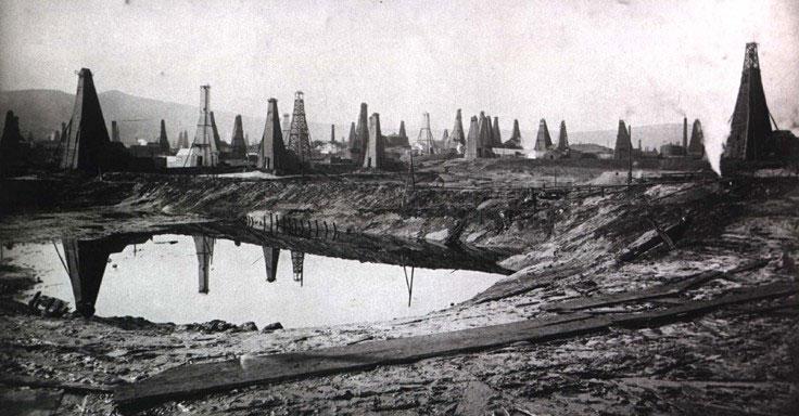 Fig. 7 : L'exploitation du pétrole dans le Caucase – Source : Bakoufr.wordpress.com