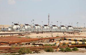Fig. 3 : Une grande usine dans le désert de Bahreïn. Source : dreamstime.com