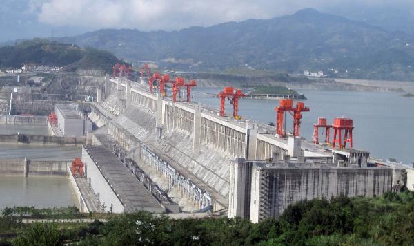 Fig. 10 : Centrale hydroélectrique des Trois Gorges en Chine