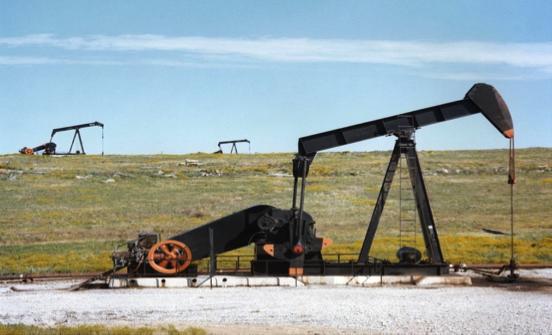 Fig. 4 : Extraction par vérins de pompe à huile.