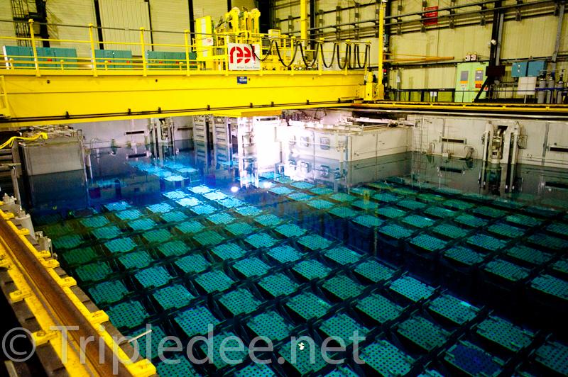 Fig. 3 : L'une des quatre piscines des combustibles irradiés à l'usine de La Hague