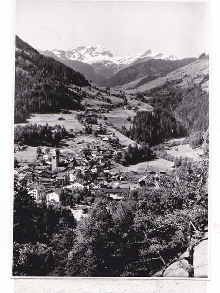 Fig. 3 : Beaufort – Source : carte postale des années 1950