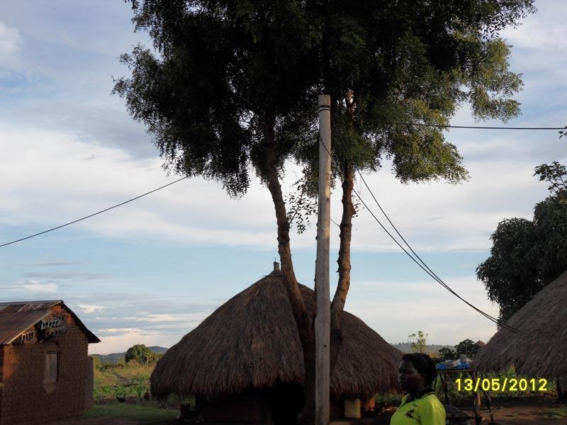 Fig 1 : Mini grid dans un village – Source : Bernard Duhamel