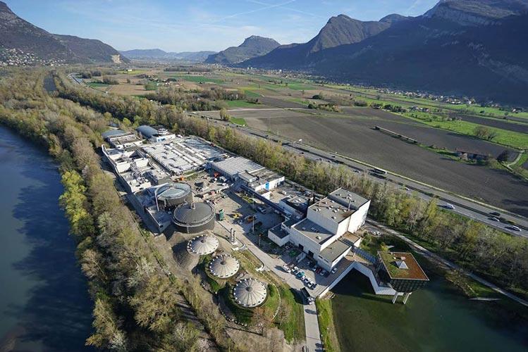 Fig. 1 : Vue aérienne de la station d'épuration et de ses installation - Source : Aquapole