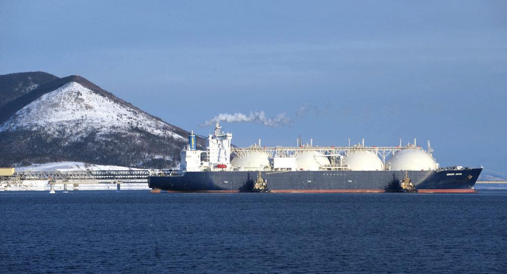Image 6: A Russian LNG tanker – Source : https://fr.sputniknews.com