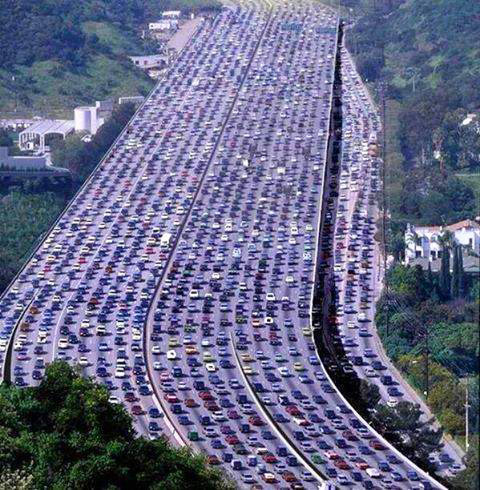 Fig. 3 : Trafic automobile dans Beijing – Source : Nitinkumar03 (Own work), via Wikimedia Commons