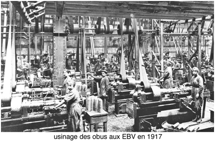 Fig. 1 : usinage des obus aux EBV en 1917