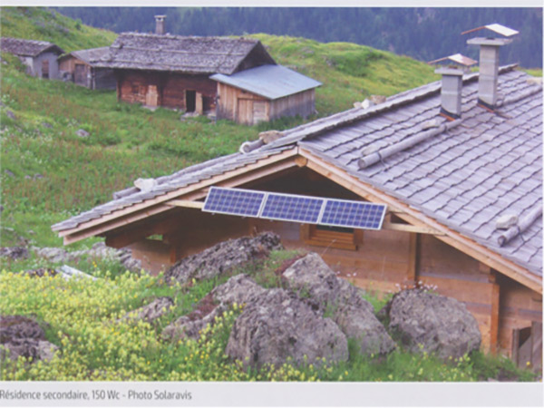Fig. 9 : Exemples de SHS : « Solar Home Systems » (b)