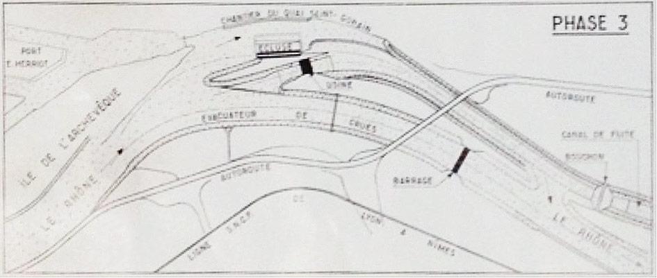 Fig. 8 : Enlèvement des enceintes provisoires. Source: Cazenave P. (1967). L'usine hydroélectrique de Pierre-Bénite, in revue Travaux, octobre 1967.