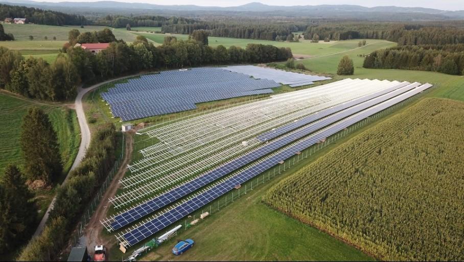 Energie solaire photovoltaïque (PV): baisse conjointe du coût et de l'impact environnemental